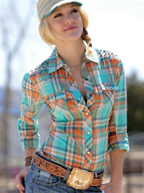 western hairstyles images cowgirl worthy ways to wear your hair up cowgirl magazine