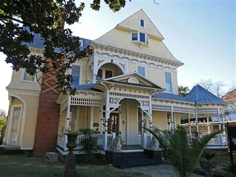 dfw s hottest victorian houses currently listed for sale 8 best images about selma on pinterest queen anne brick