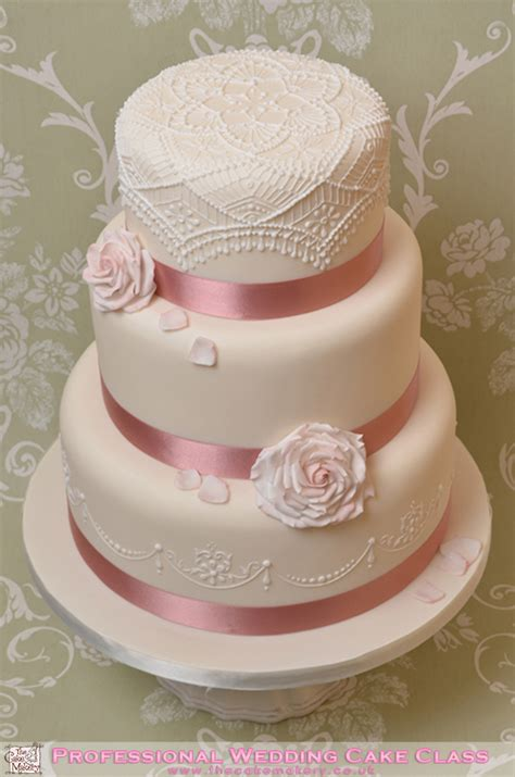 Professional Cakes by The Cake Makery Professional Wedding Cake