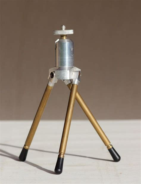 tripod easel stand woodworking projects