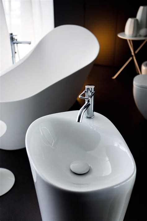 designer bathroom sinks cool bathroom sinks 18157
