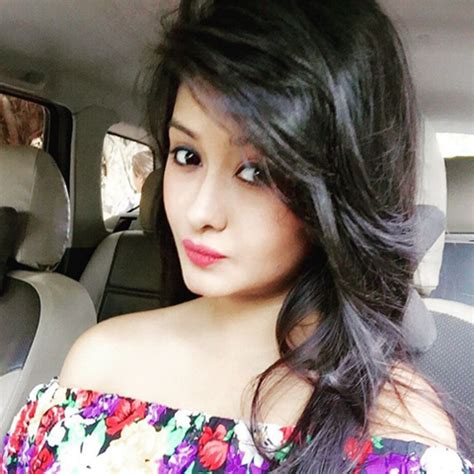 Simply Look Sl 0216007 Blus Muslim kanchi singh height weight age affairs bio more