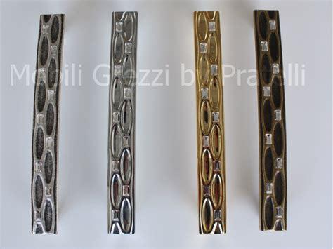 maniglie per armadio armadio con maniglie armadio con maniglie in alluminio e