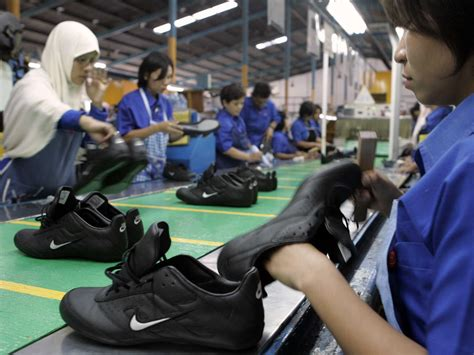 how nike changed the shoe industry business insider