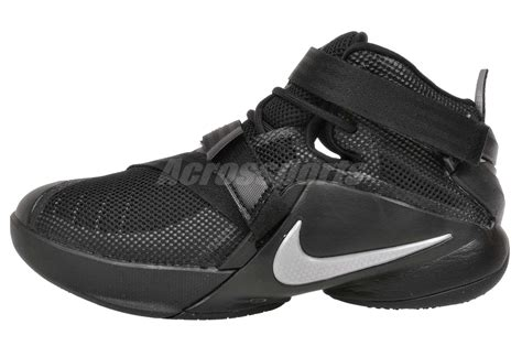 youth basketball shoes nike lebron soldier ix gs youth boys basketball