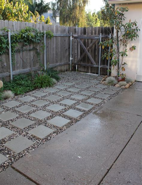 Backyard Ideas Dirt Along The Side Of The House With Garden Bordering The