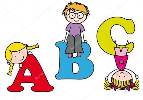 imagenes de niños jugando y aprendiendo ni 241 os jugando y aprendiendo el alfabeto vector de stock
