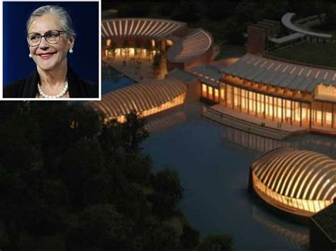 alice walton house must see photos of houses of the richest people in the world