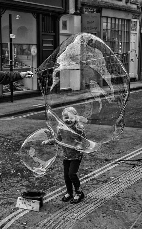 street portraits  bubbles uk street photography daz