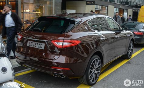 how does the maserati levante look outside the show