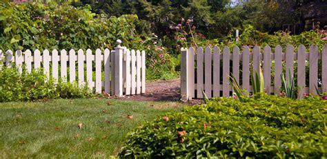 fence railing buying guide  ideas diy  bq