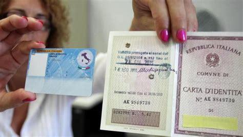 comune di crotone ufficio anagrafe comune il sindaco pugliese presenta la carta di identit 224