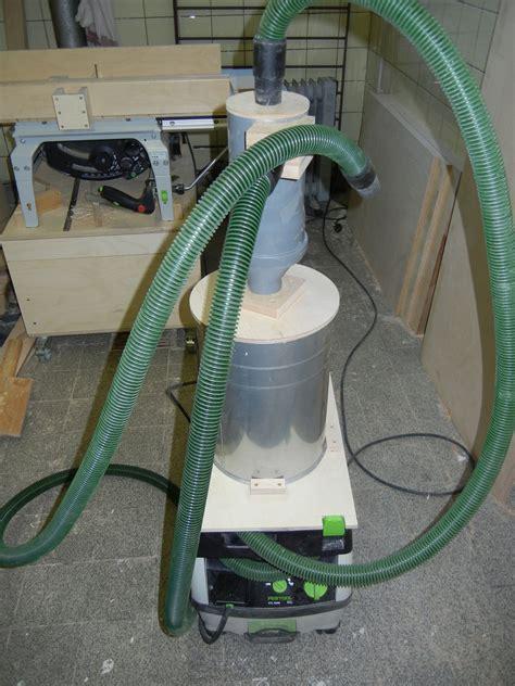 werkstatt zyklon der zyklon trohnt auf dem staubsauger werkzeug