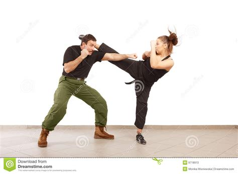 News fighting man single and in a relationship