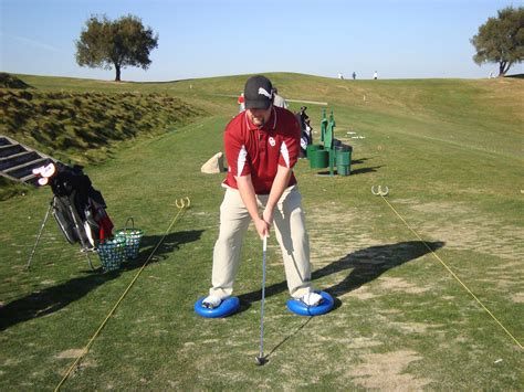 practice golf swing at home how to practice golf at home instruction and playing