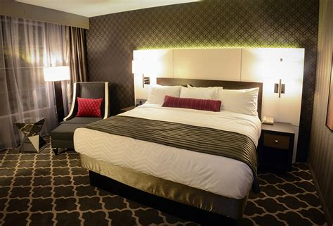 international house guest rooms our legendary accommodations the guest house at graceland