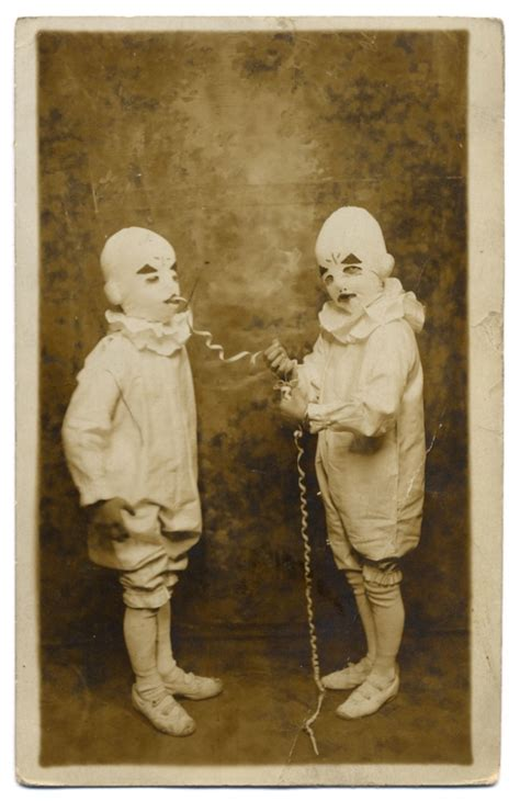 9 creepy photos that appear in miss peregrine s home for