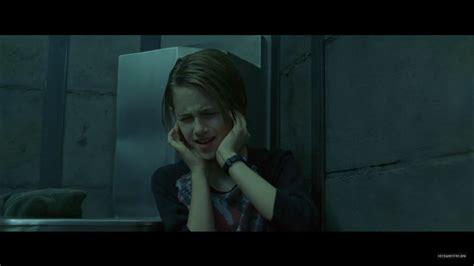kristen stewart panic room panic room dvd screen captures kristen stewart image 23020683 fanpop