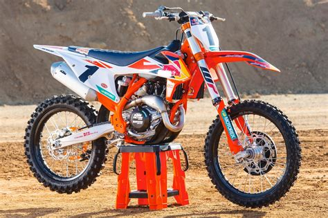 Ktm 450 Sx F Factory Edition 2018 Ktm 450 Sx F Factory Edition Look 9 Fast Facts