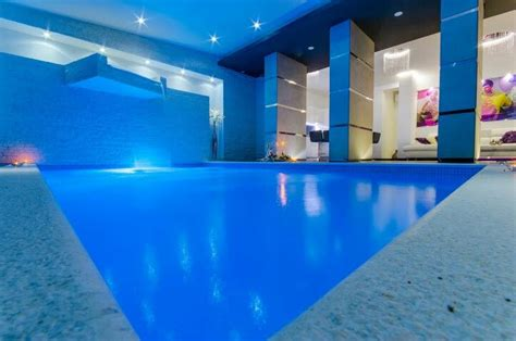 In Door Pools In Nyc by Apartment With Indoor Pool Karlo