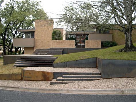 modern wall construction terrific retaining wall decorating ideas