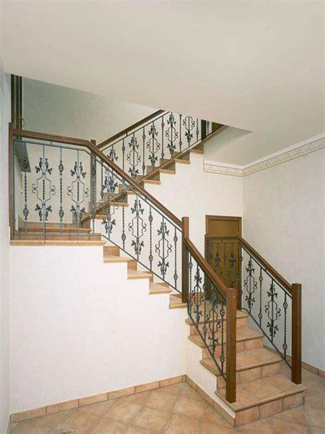 barandillas para escaleras interiores modernas baranda de escalera de hierro escaleras hierro c madera