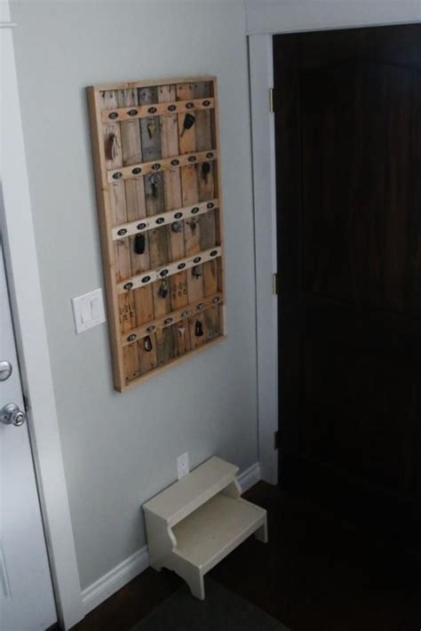 furniture plan key decobizz com ana white build a reclaimed wood pallet hotel key rack
