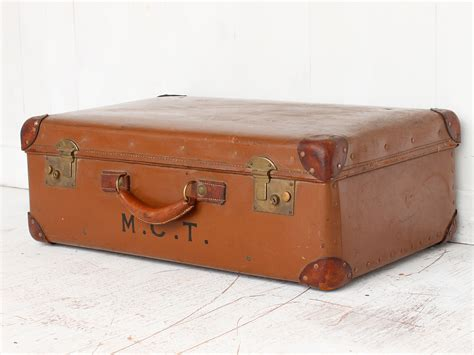alter reisekoffer suitcase sold scaramanga