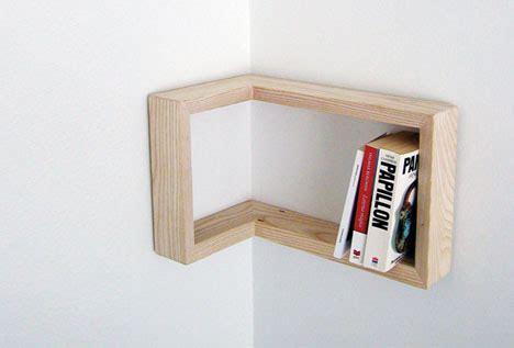 reversible interior shelf fits both inside outside corners