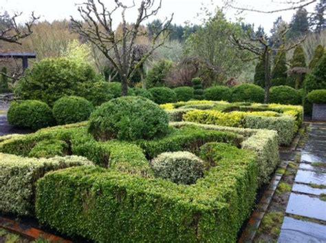 Landscape Ideas Using Boxwoods 24 Beautiful Boxwood Garden Ideas Style Motivation