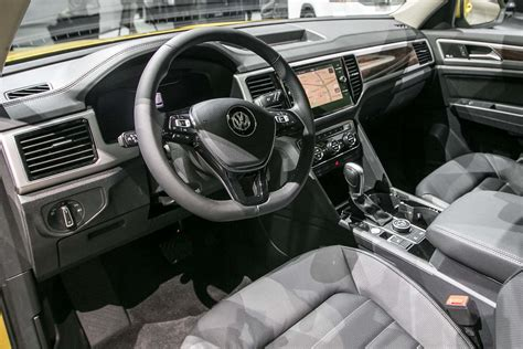 volkswagen atlas black interior 2018 volkswagen atlas look cuv debuts with