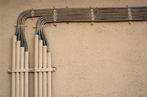 Tubi A Vista In Casa by Come Nascondere Le Tubature In Casa Di Habitissimo