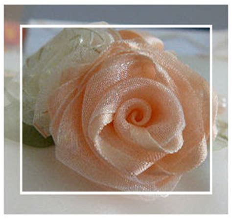 tutorial rose di organza silk ribbon embroidery tutorial folded ribbon rose