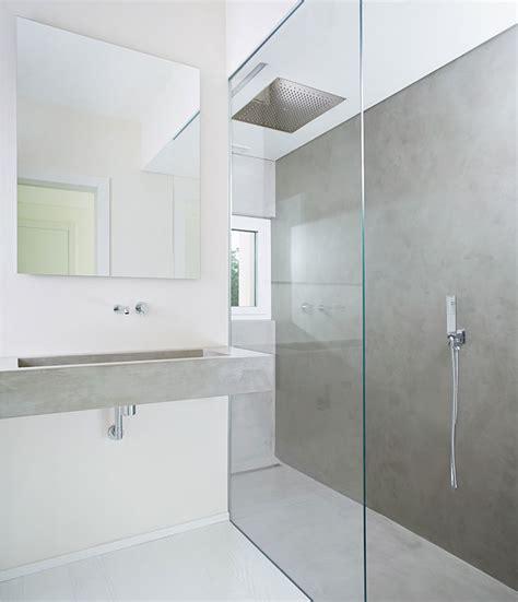 bagno moderno con doccia rivestimento bagno moderno con microtopping