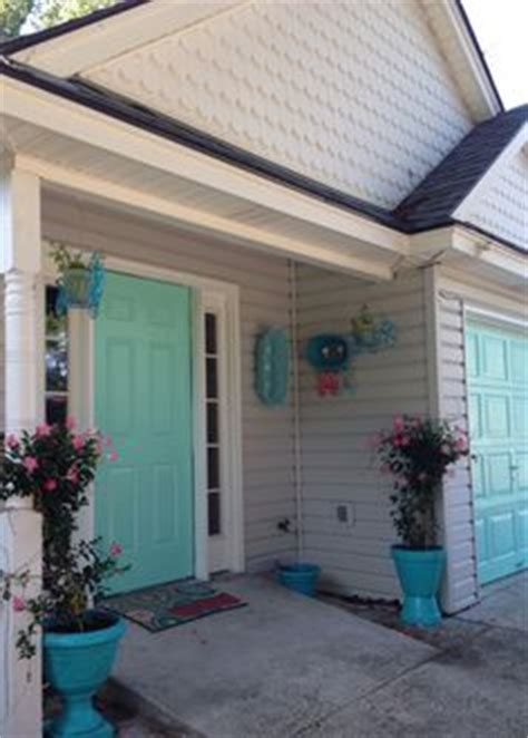 1000 images about house colors on turquoise front doors white trim and shell