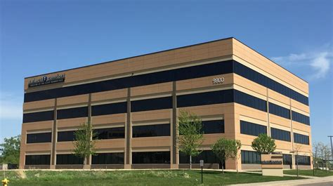 Select Comfort Headquarters select comfort searches for new headquarters space minneapolis st paul business journal
