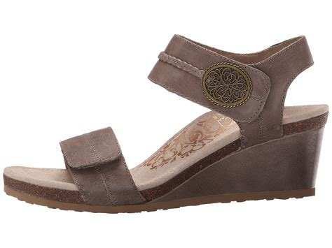 zappos wedge sandals aetrex arielle wedge sandal zappos free shipping