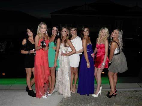 prom limo hire school prom car prom limo hire from limousines in