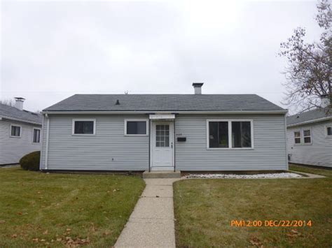 2220 w howard ave milwaukee wisconsin 53221 foreclosed