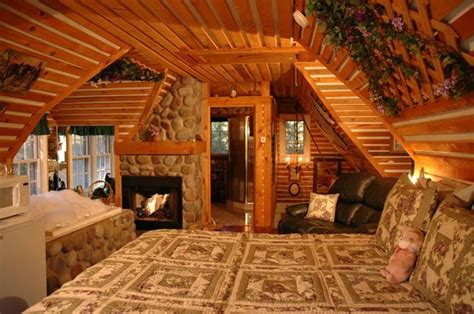 lazy cloud bed and breakfast hayloft suite picture of lazy cloud lodge bed and