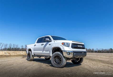 toyota tundra lifted 2014 toyota tundra skyjacker 6 inch lift review drivingline