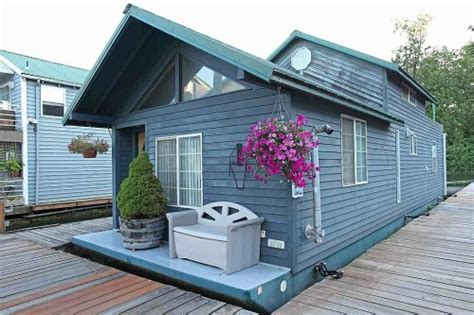 living on a boat in jersey floating homes for every budget