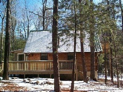 S Cove Log Cabin Rentals by Cupid S Cove Log Cabin Getaway Has Tub And