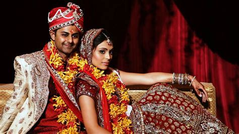 Chicago Bollywood Indian Wedding Couple poses for