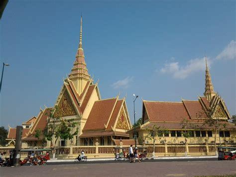 turisti per caso cambogia thailandia e cambogia viaggi vacanze e turismo turisti
