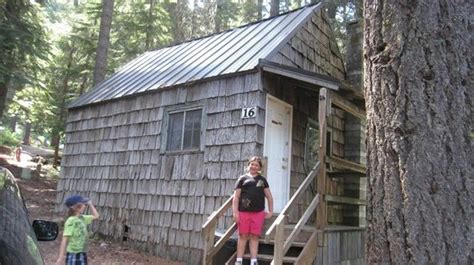 Clear Lake Cabins Oregon by A Quot Rustic Quot Cabin Indeed Picture Of Clear Lake