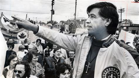 cesar chavez in giving of yourself you will discover by cesar chavez