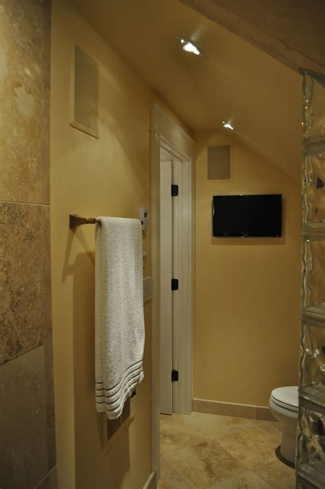 travertine bathroom ideas 20 stunning pictures of travertine bathroom tile ideas