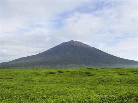 3 Di Indonesia 3 gunung terindah di indonesia esatmaja hanief sinatria
