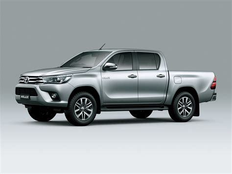new toyota 2016 2016 toyota hilux debuts with new 177hp diesel 33 photos